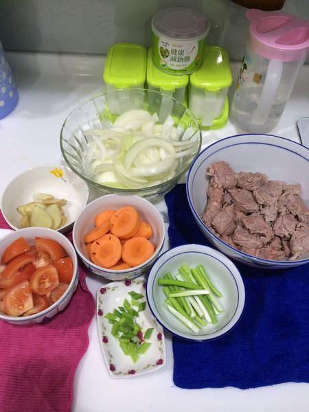 [食譜]紅燒清燉牛肉麵,新手廚娘在家免用滷包搞定。