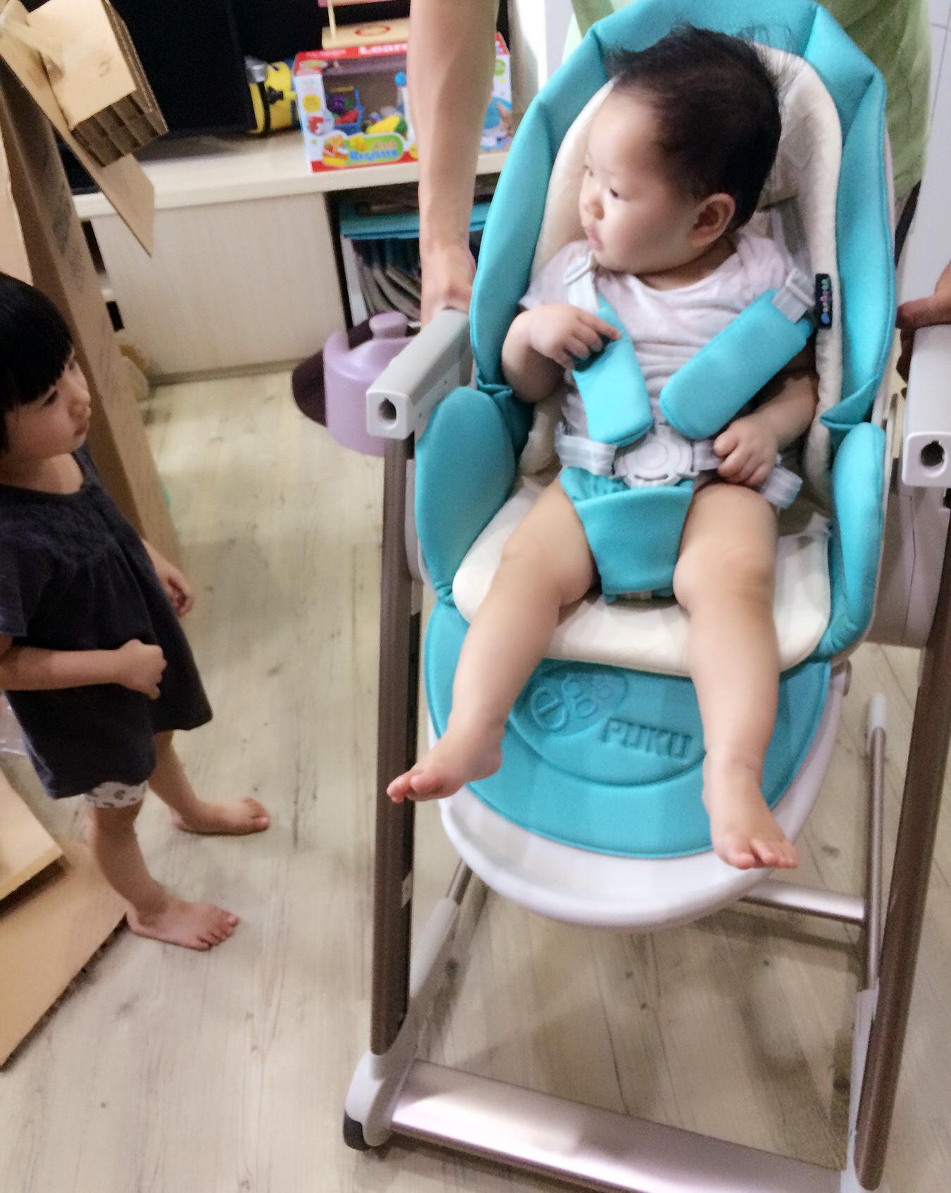 [開箱]Egg多功能成長型高腳餐椅+防滑矽膠餐具組-寶寶吃飯必備道具。