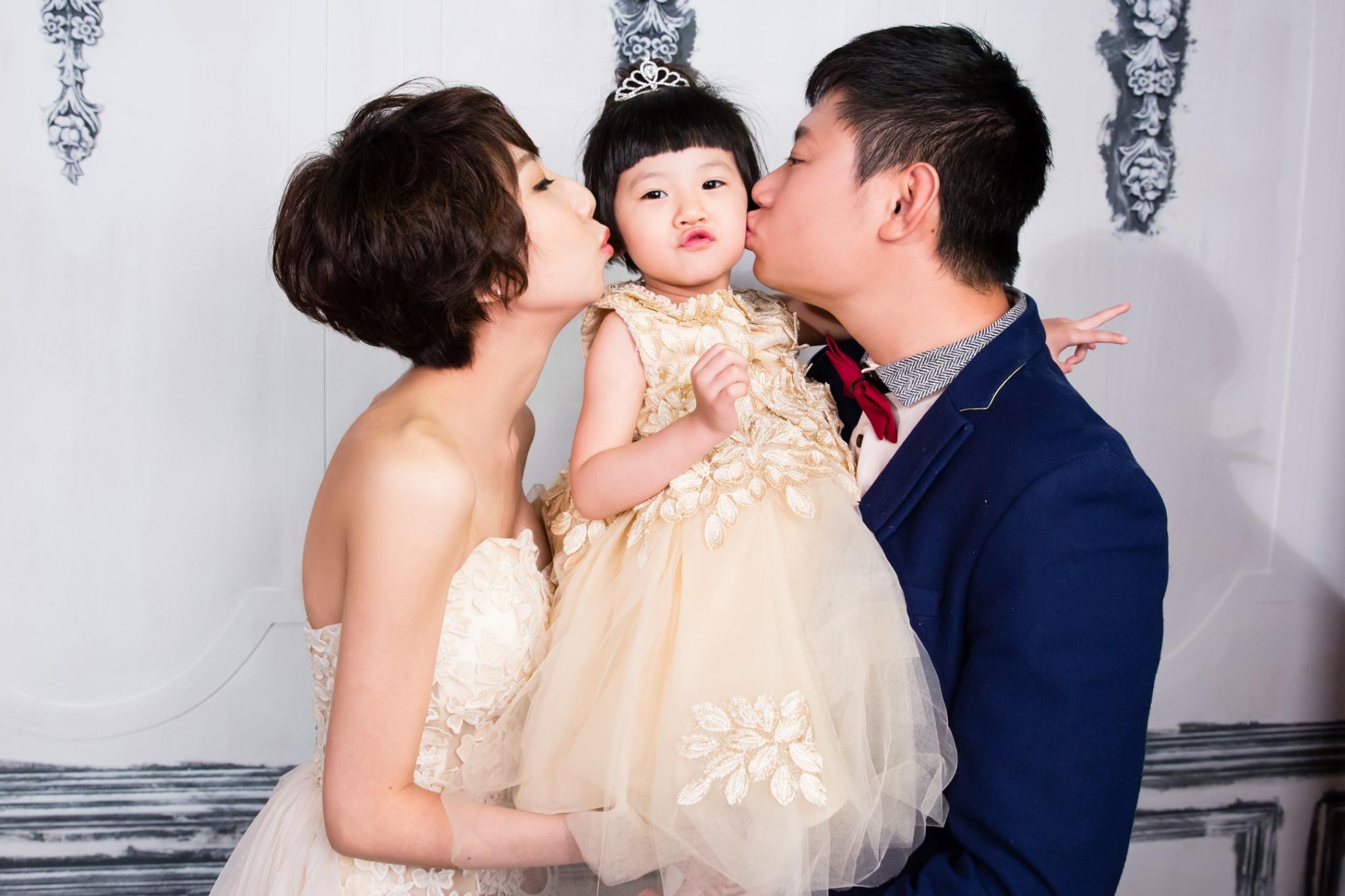 [親子攝影]班尼頓兒童攝影-親子全家福帶著小娃輕鬆拍寫真。