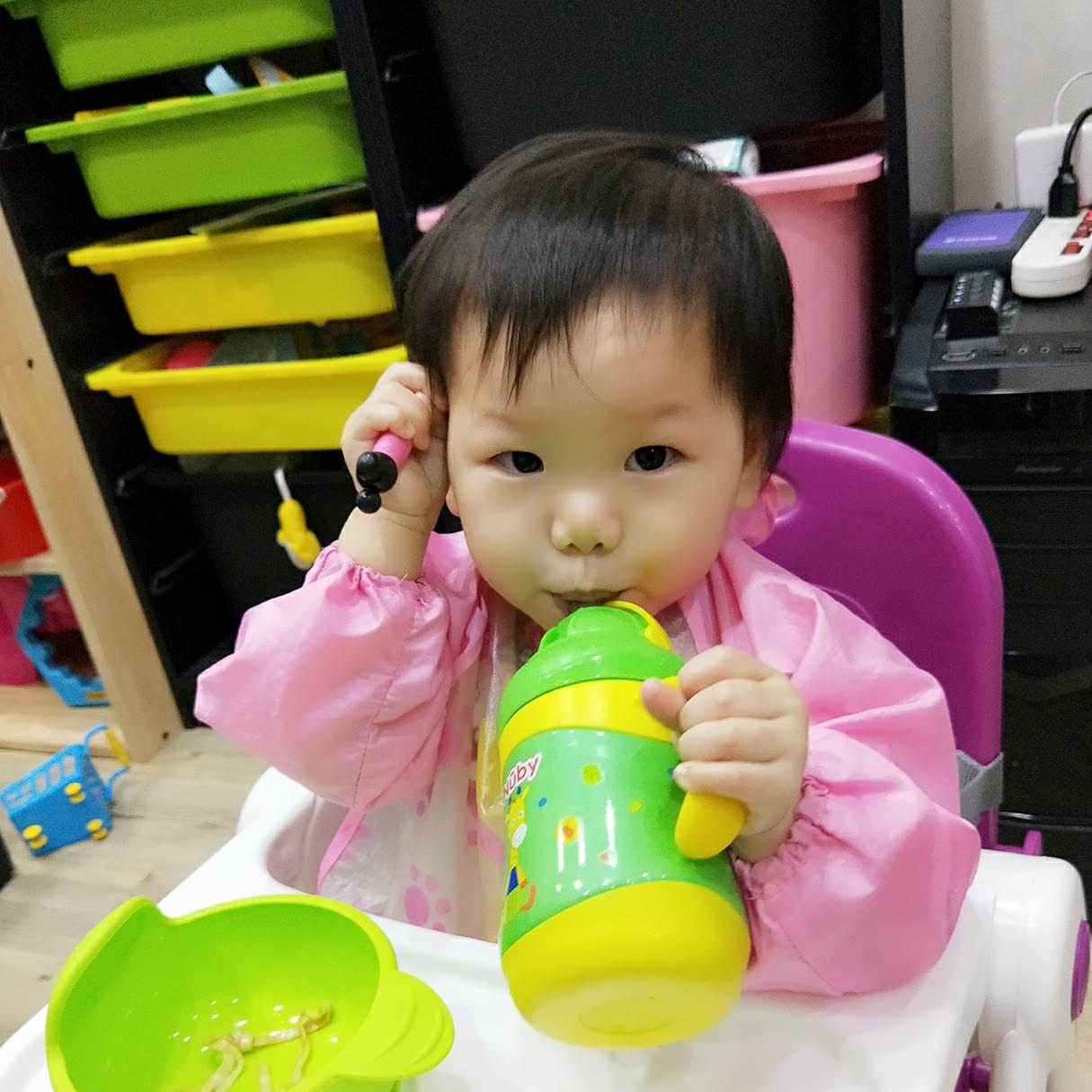 [育兒]Nuby不鏽鋼保溫保冷真空學習杯,冬天必備寶寶喝水暖呼呼。